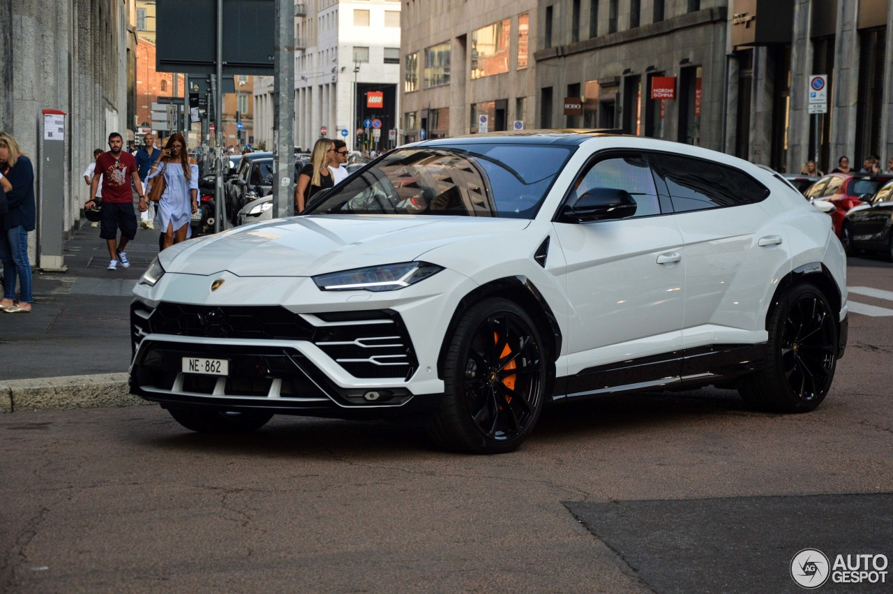 lamborghini urus 10 novembre 2018 autogespot. Black Bedroom Furniture Sets. Home Design Ideas