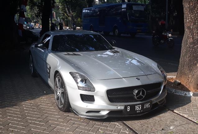 Mercedes-BenzRenntech SLS AMG