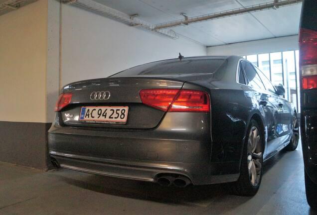Audi S8 D4